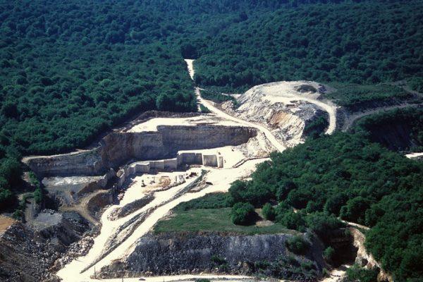 TWO SIDES dénonce les allégations environnementales infondées de la société ARMEN PAPER, importatrice de la « Feuille de Pierre », et le dénigrement du papier véritable